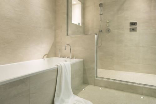 Ferme Saint Siméon – Bathroom